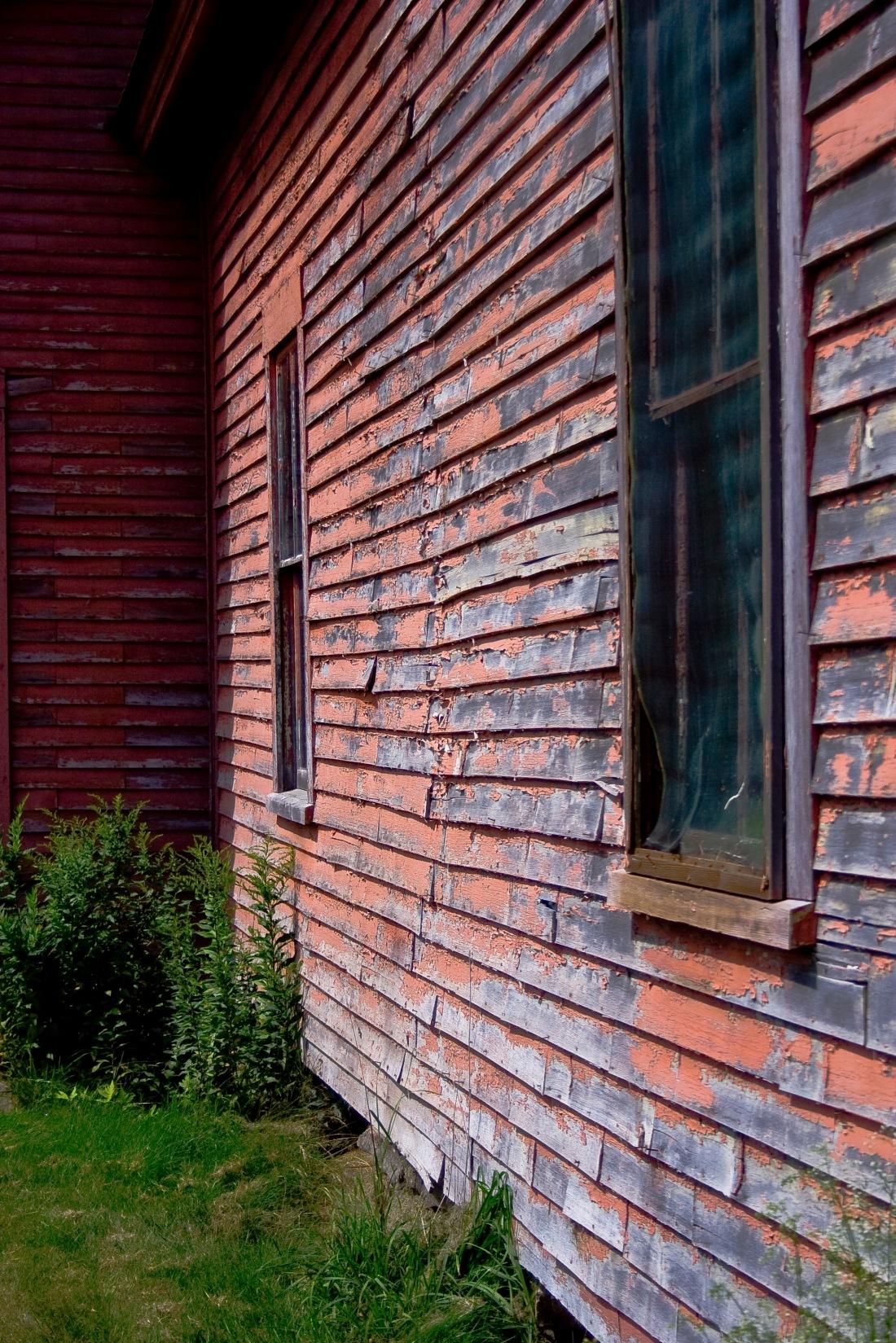 Abandoned pink house.  Gilford, NH